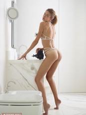 Hegre Alya Shoe String Swimsuit_05