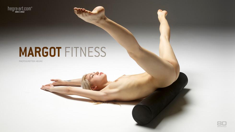 Margot Fitness  photo Petter Hegre
